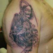 tatuaże na ramieniu śmierć