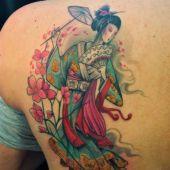 tatuaże na plecach geisha