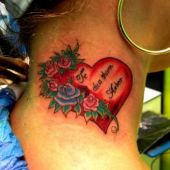 tatuaże na szyi serce