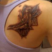 tatuaż wróżka na plecach