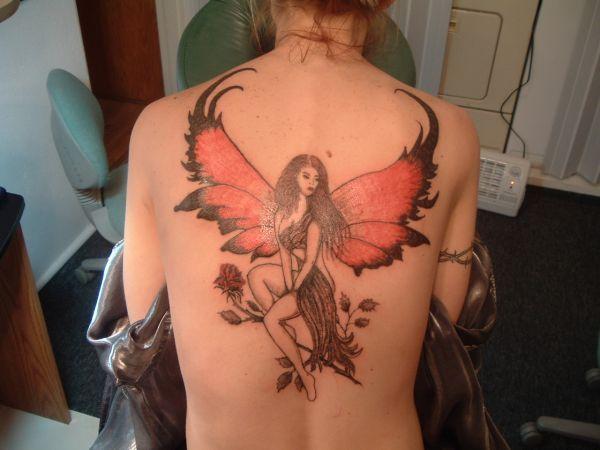 skrzydlata kobieta