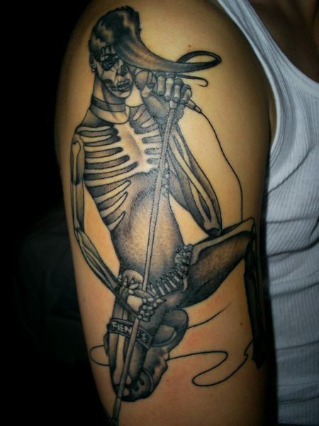 skeleton tattoo shoulder