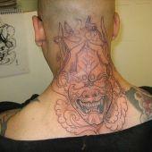 tatuaże na szyi diabeł